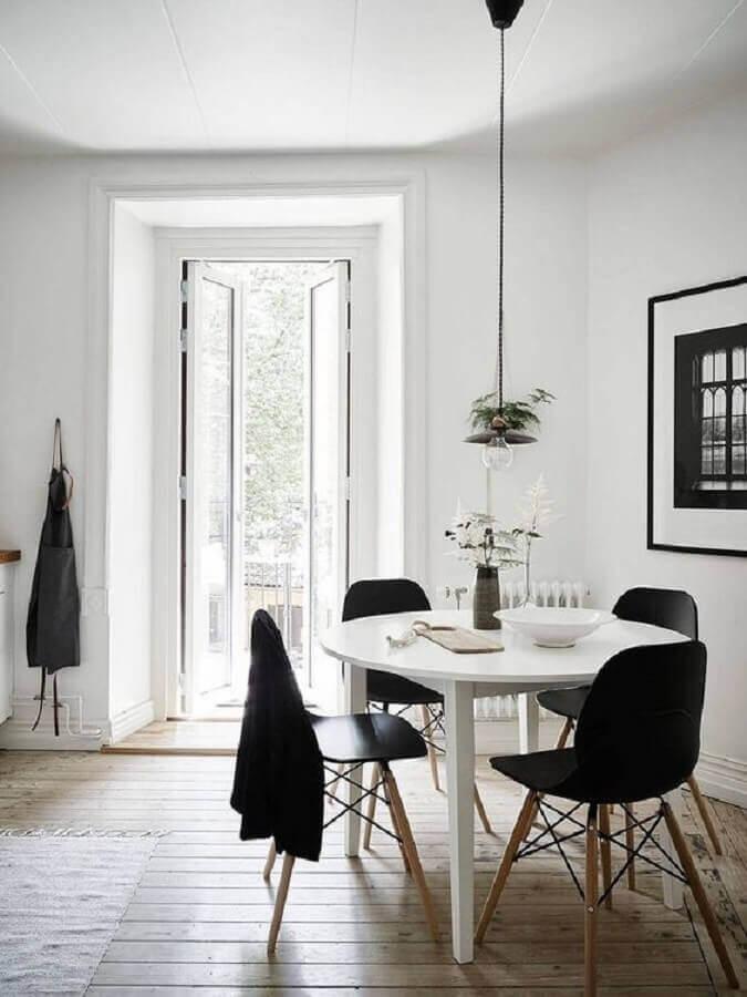 mesa redonda pequena para decoração de sala de jantar minimalista simples Foto Coco Lapine Design