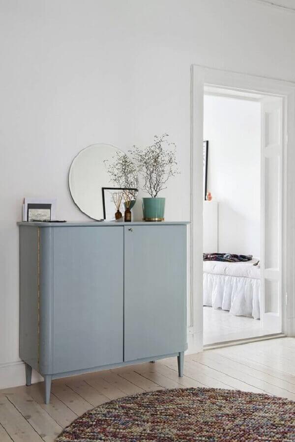 modelo simples de buffet pequeno para sala de jantar branca decorada  Foto Pinterest
