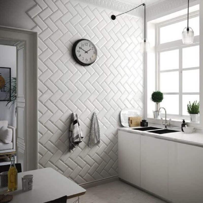 parede com metro white para decoração de cozinha branca simples Foto Casa de Valentina
