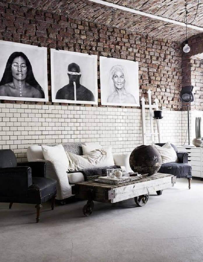 parede com metro white para decoração de sala com estilo industrial Foto Futurist Architecture