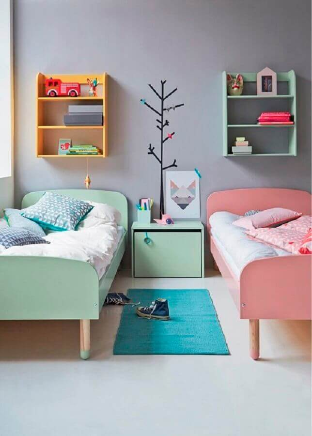 passadeira para quarto infantil azul e rosa Foto Just Real Moms