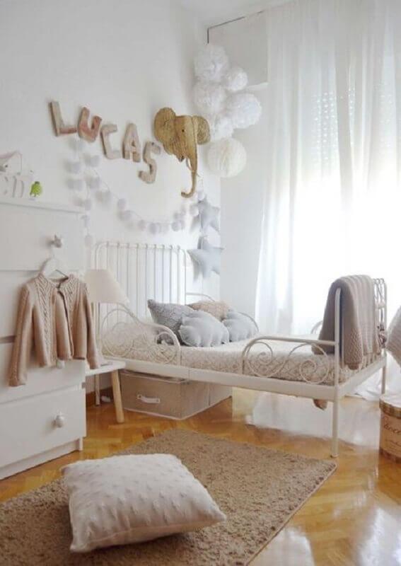passadeira para quarto infantil decorado em cores claras e neutras  Foto Pinterest
