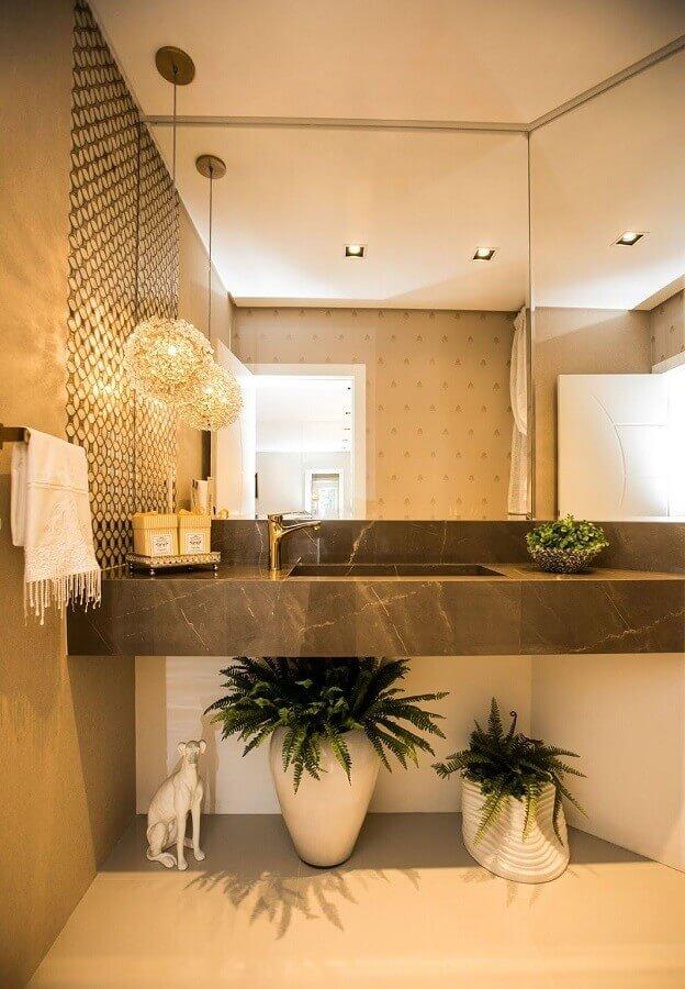 pendente de cristal para banheiro sofisticado decorado na cor bege Foto Jana Fabiani