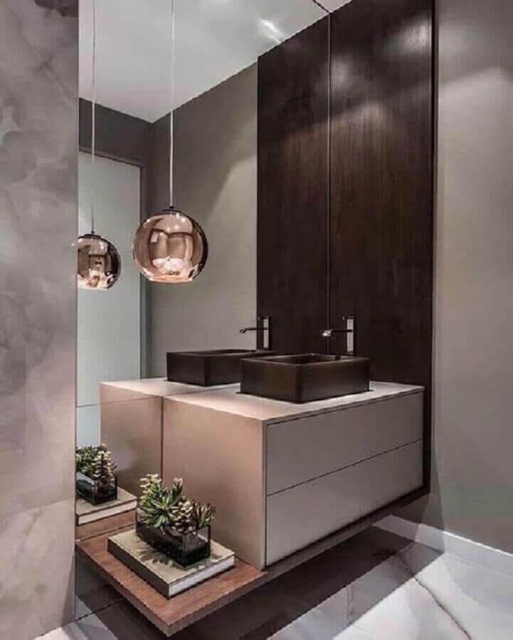 pendente para banheiro moderno decorado em tons de cinza  Foto Pinterest