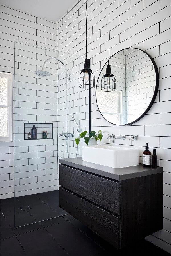 pendente para banheiro moderno preto e branco Foto One Kindesign