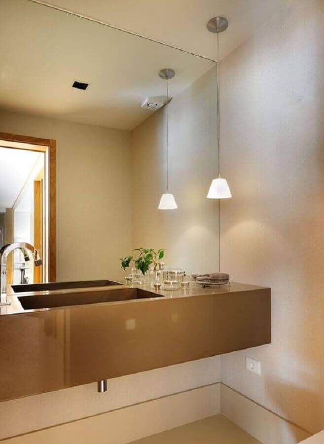 pendente para pia de banheiro sofisticado decorado em cores neutras  Foto Tango Arquitetura