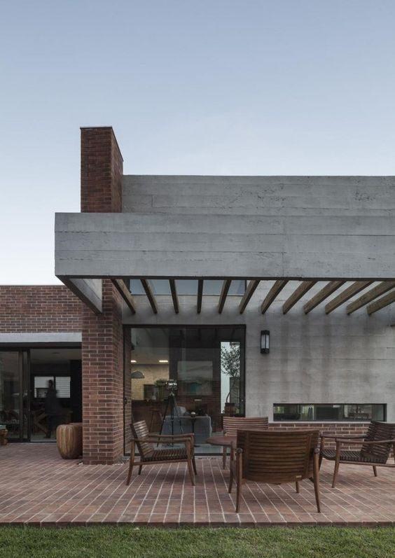 Pergolado para fachada de casa moderna