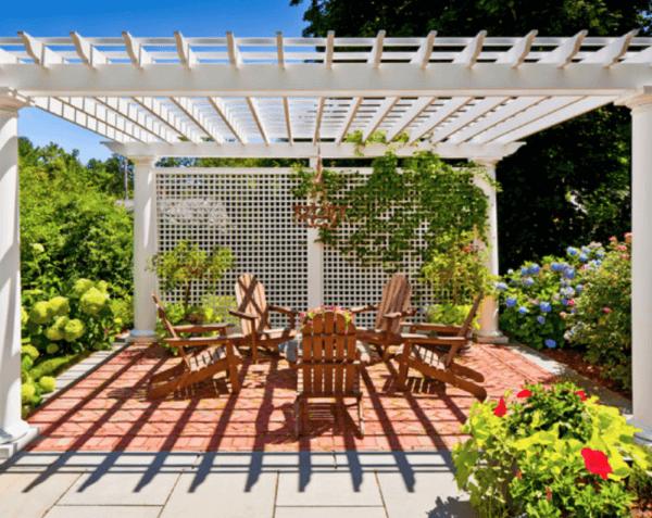 Jardim iluminado e decorado