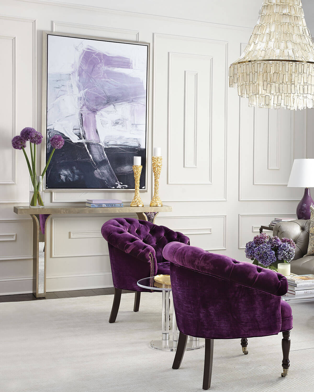 Decore sua sala chique com a poltrona capitonê roxa