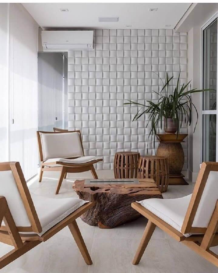 poltrona de madeira para varanda branca decorada com revestimento 3D Foto Manual da Obra