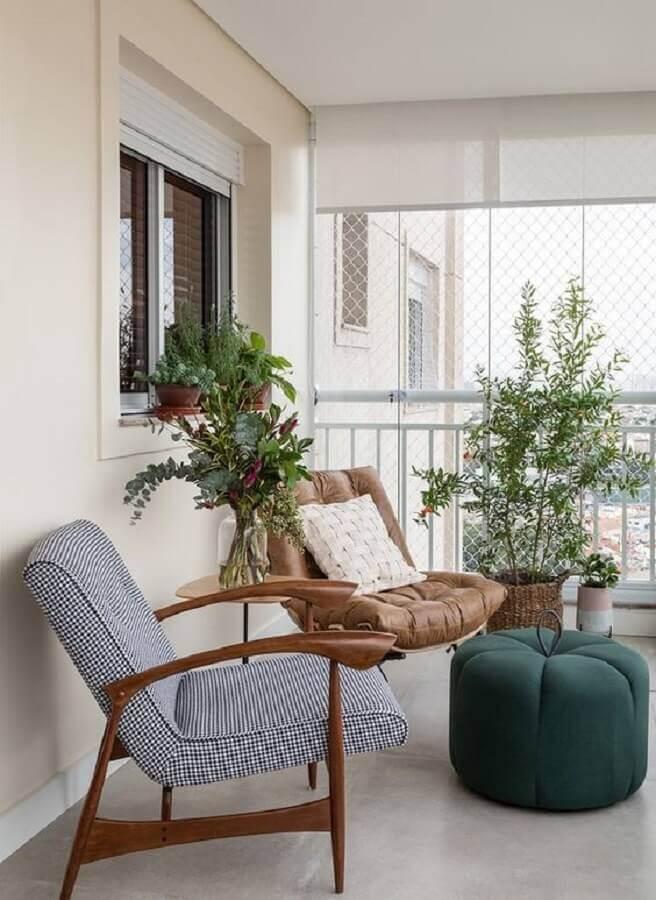 poltrona decorativa para varanda simples decorada  Foto Histórias de Casa