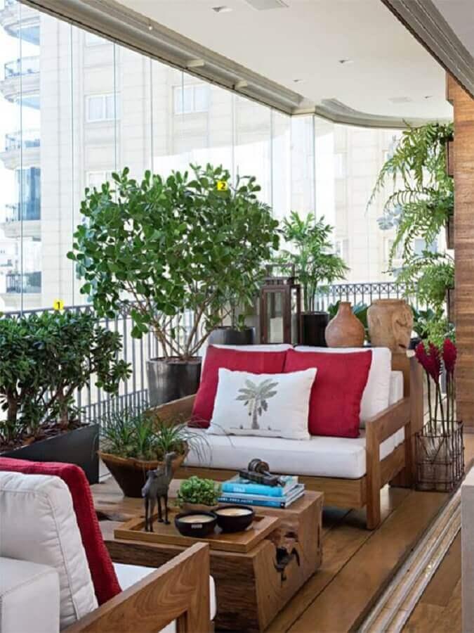 poltronas para varanda de apartamento decorado com vários vasos de plantas Foto Casa de Valentina