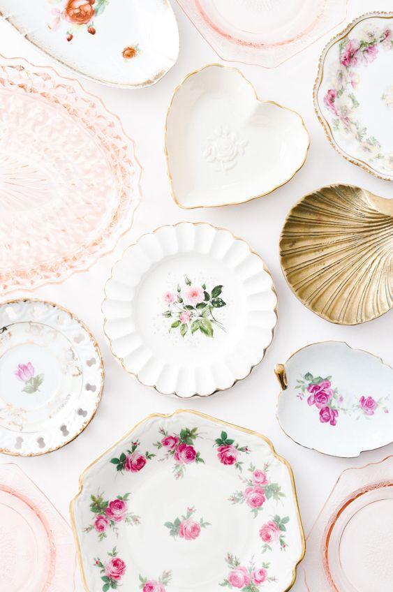 Pratos de porcelana avulsos cor de rosa