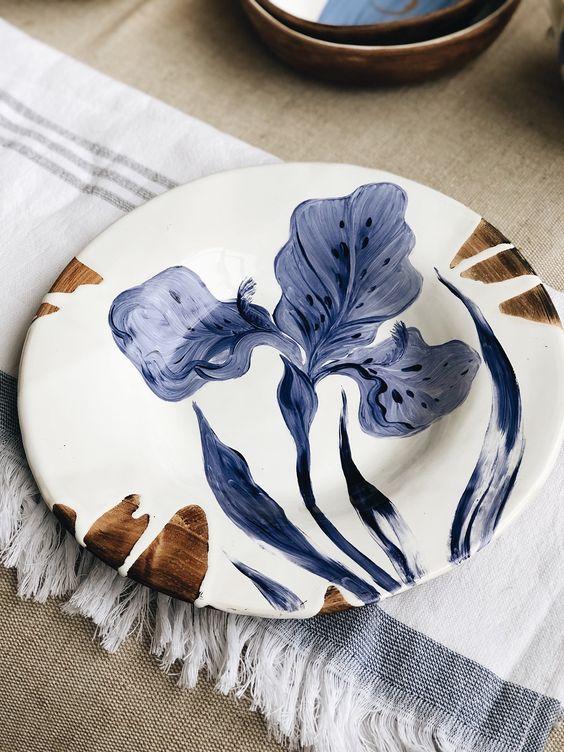 Pratos de porcelana cm flores azuis