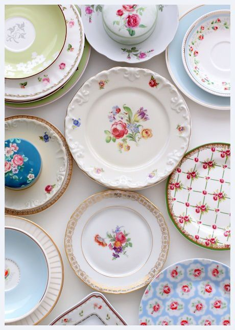 Pratos de porcelana decorados