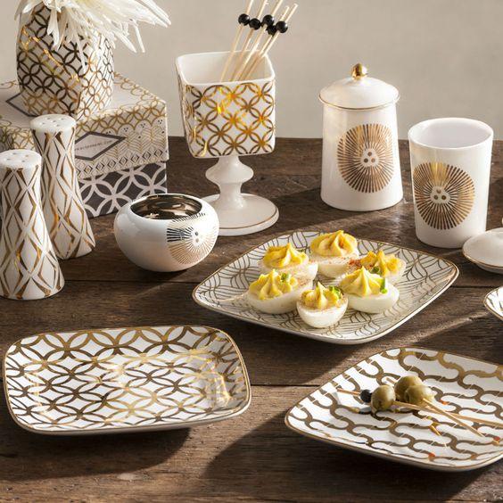 Pratos de porcelana quadrados