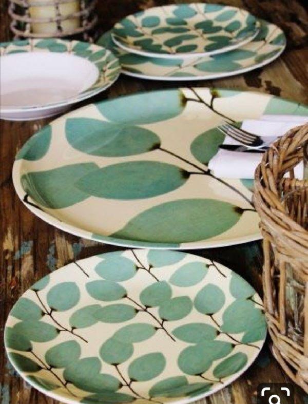 Pratos de porcelana verde
