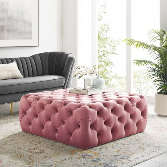 Puff rosa com capitonê quadrado