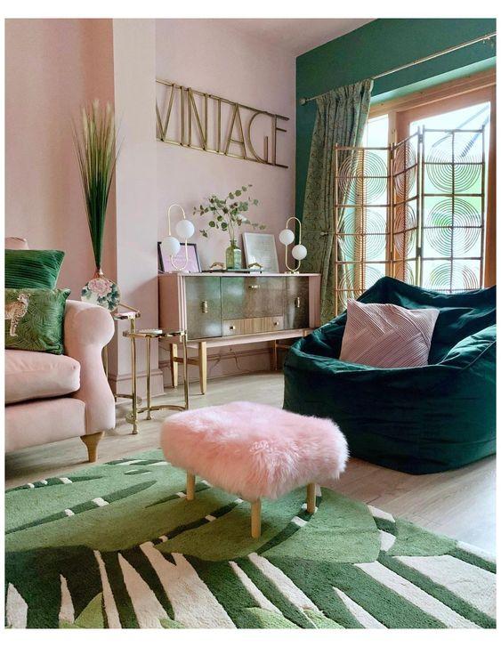 Sala verde e rosa claro