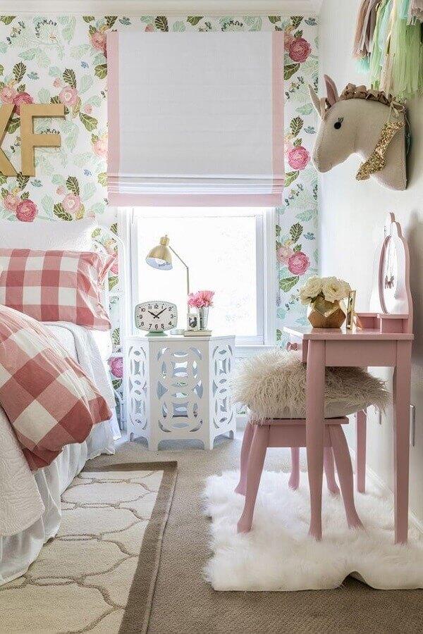 quarto infantil decorado com papel de parede romântico Foto Unique Inspirations