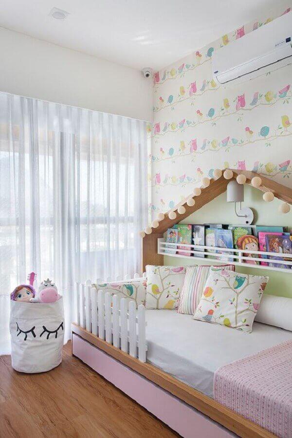 quarto para criança menina decorado com papel de parede delicado Foto Casa de Valentina