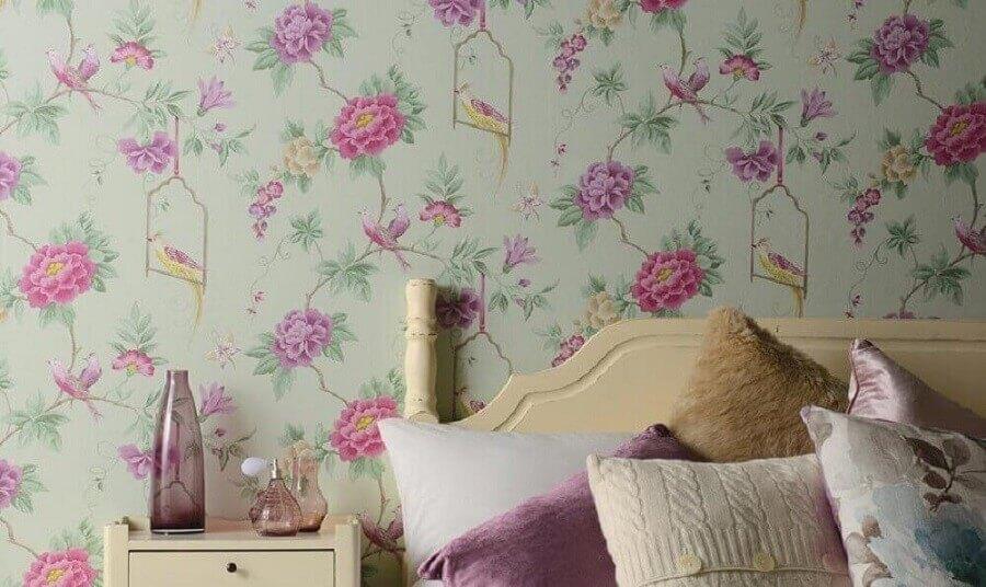 quarto simples decorado com papel de parede floral romântico Foto China Gate