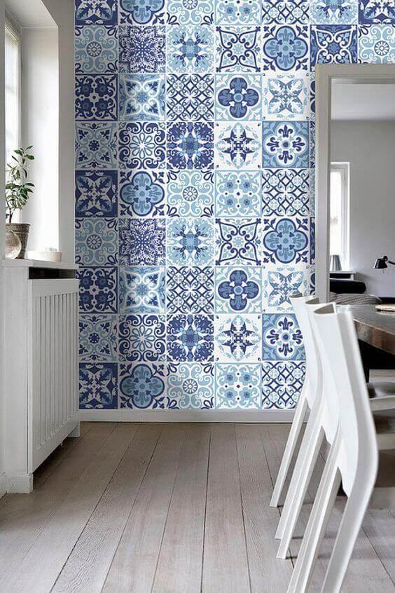 Revestimento azul e branco para cozinha moderna