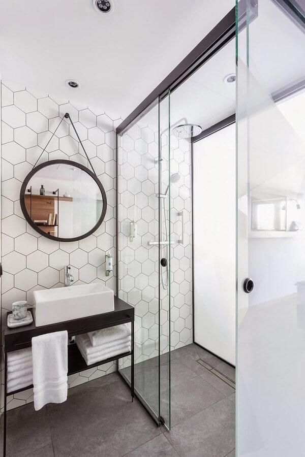 revestimento branco para banheiro minimalista decorado com espelho redondo Foto Futurist Architecture