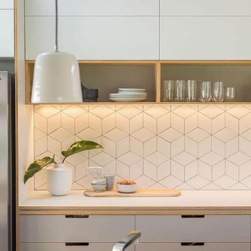revestimento branco para parede de cozinha planejada Foto Arkpad