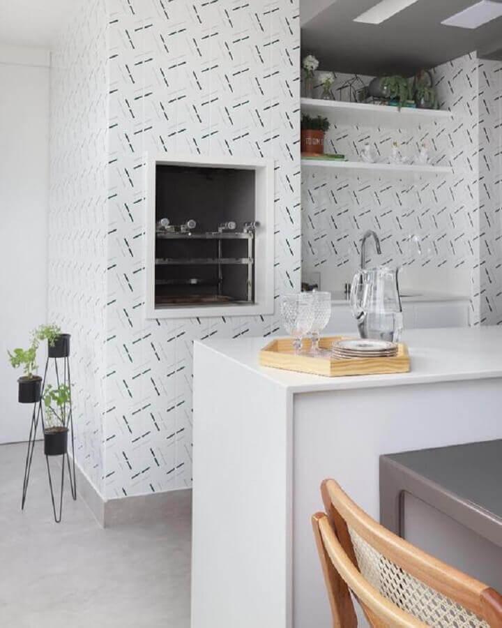 revestimento de parede branco para decoração de área gourmet com churrasqueira Foto Pinterest