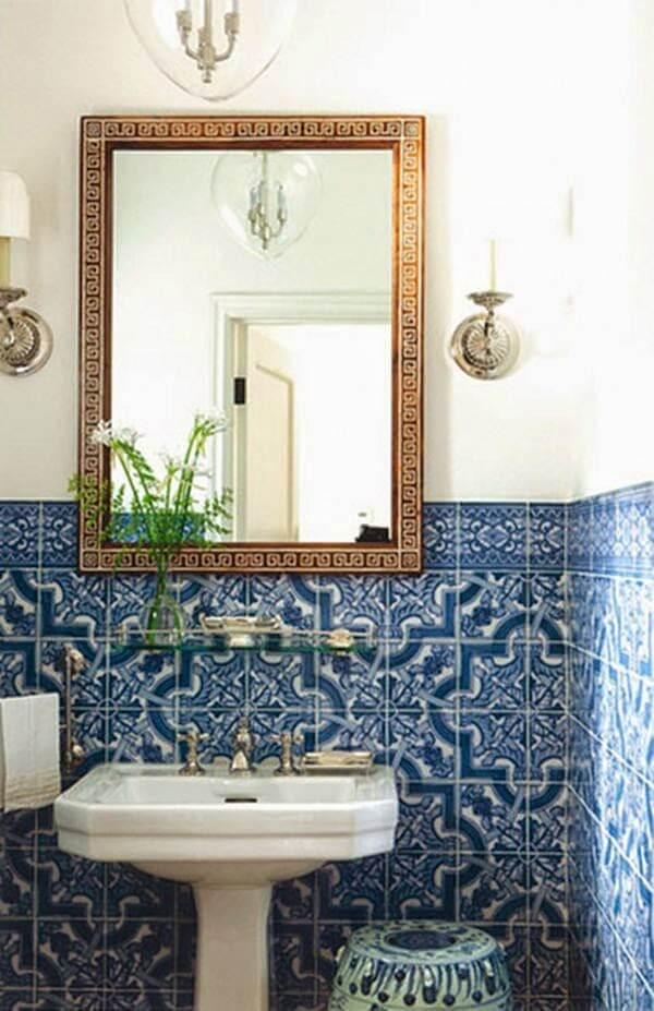 Revestimento geométrico na decoração de banheiro