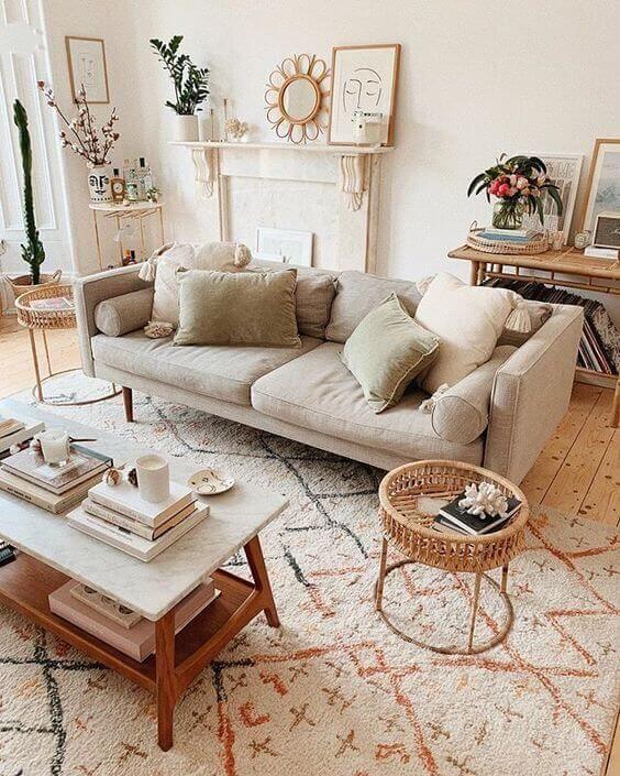 Sala clean com tapete escandinavo minimalista