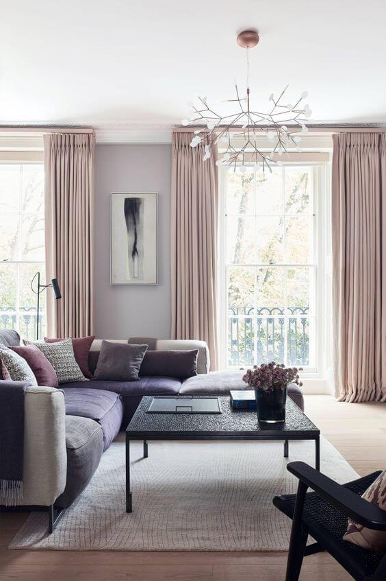 Sala de estar cor lavanda