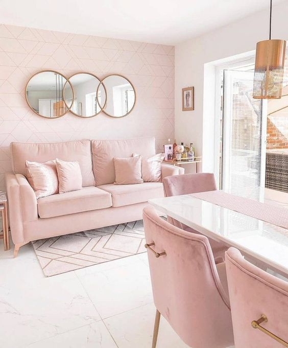 Sofá simples cor de rosa