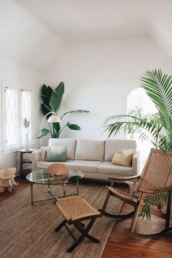 Sala com sofá minimalista