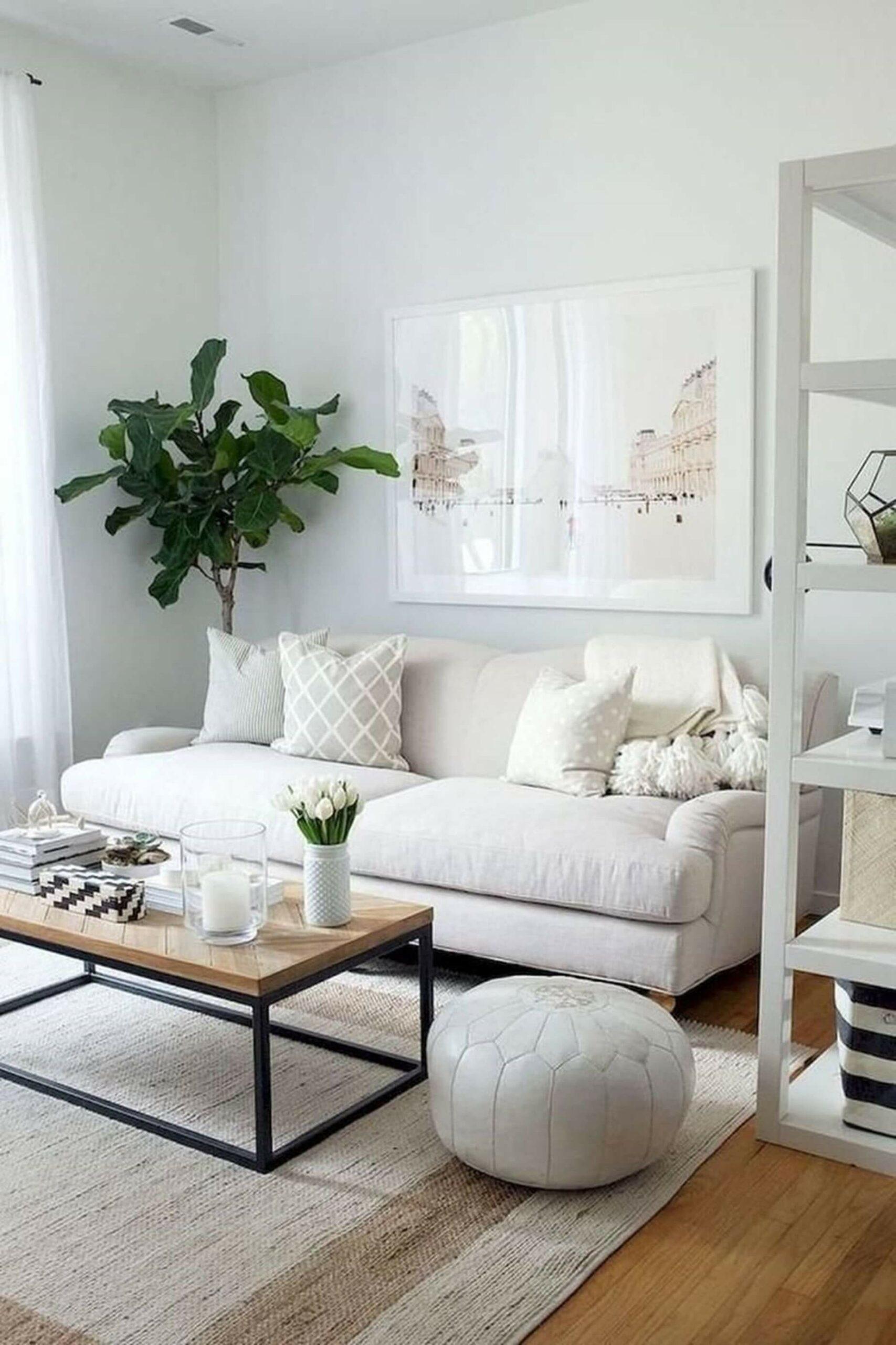 Sofá branco e pequeno