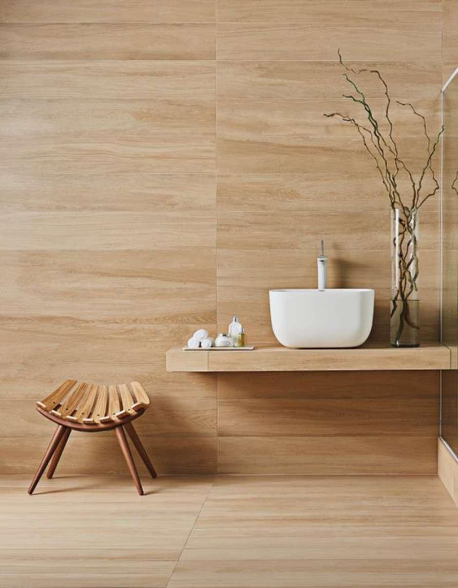 Tenha um banheiro de madeira de porcelanato