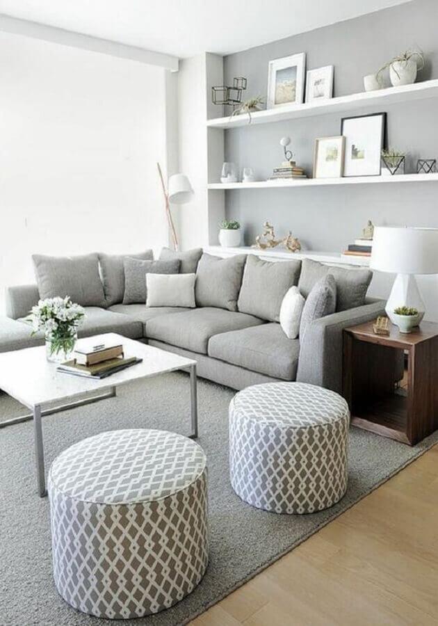 tons de cinza para decoração de sala de estar minimalista Foto Decoholic