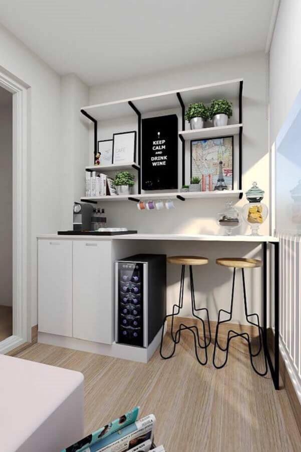varanda de apartamento decorada com cantinho de café Foto Pinterest