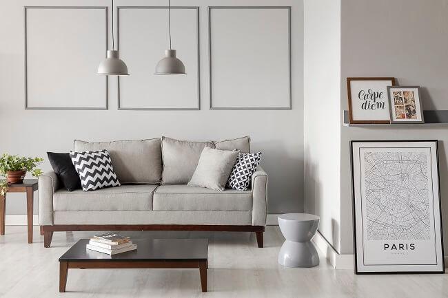 Mudar os móveis de lugar é uma ótima maneira de transformar a sala gastando zero ou pouco dinheiro