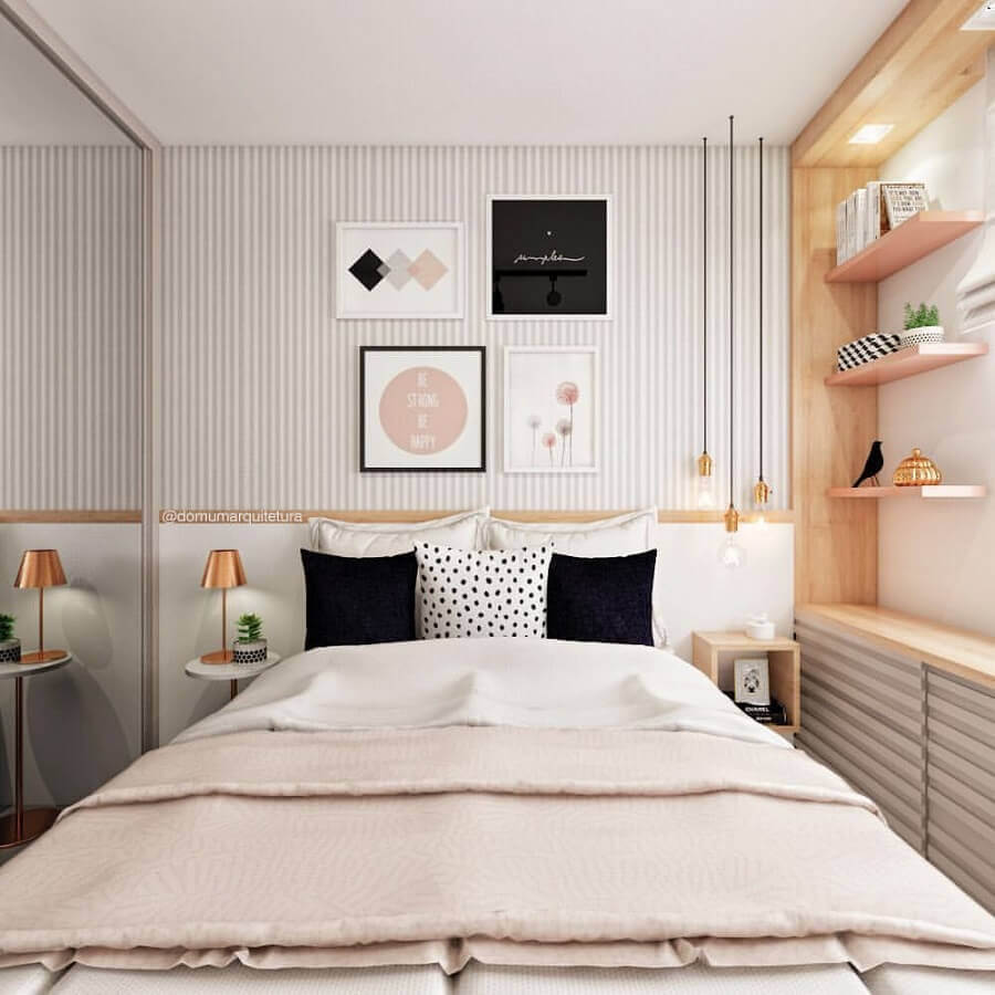 Papel de parede listrado delicado para quarto feminino pequeno decorado com móveis planejados