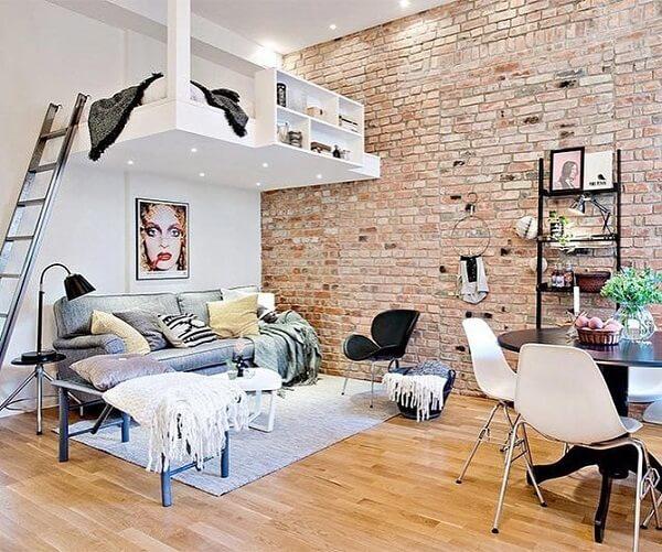 A cama mezanino favorece a criação de uma sala de estar no ambiente