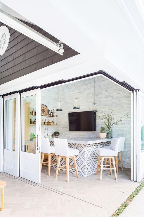 Adesivo de azulejo retro na bancada de cozinha gourmet