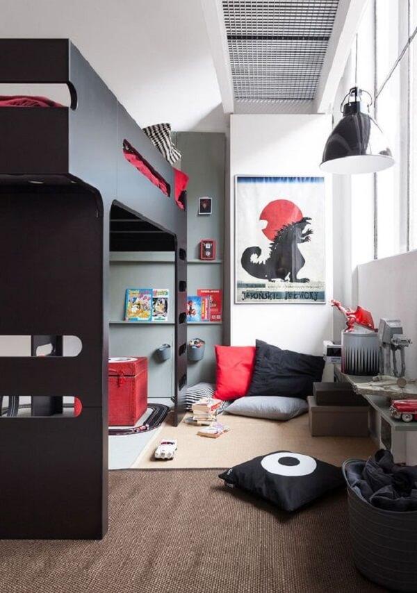 Aumente a área de brincadeiras incluindo uma cama solteiro mezanino no quarto das crianças