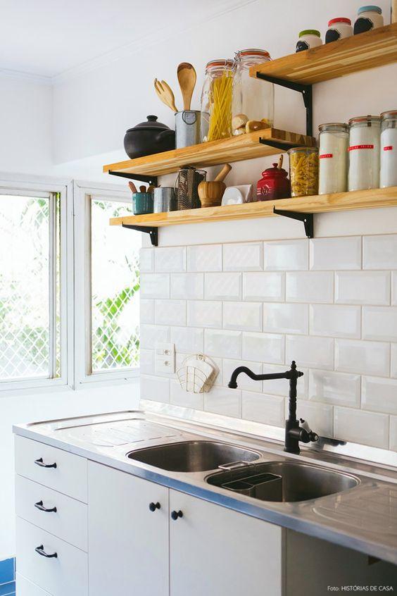 Azulejo retro branco na cozinha