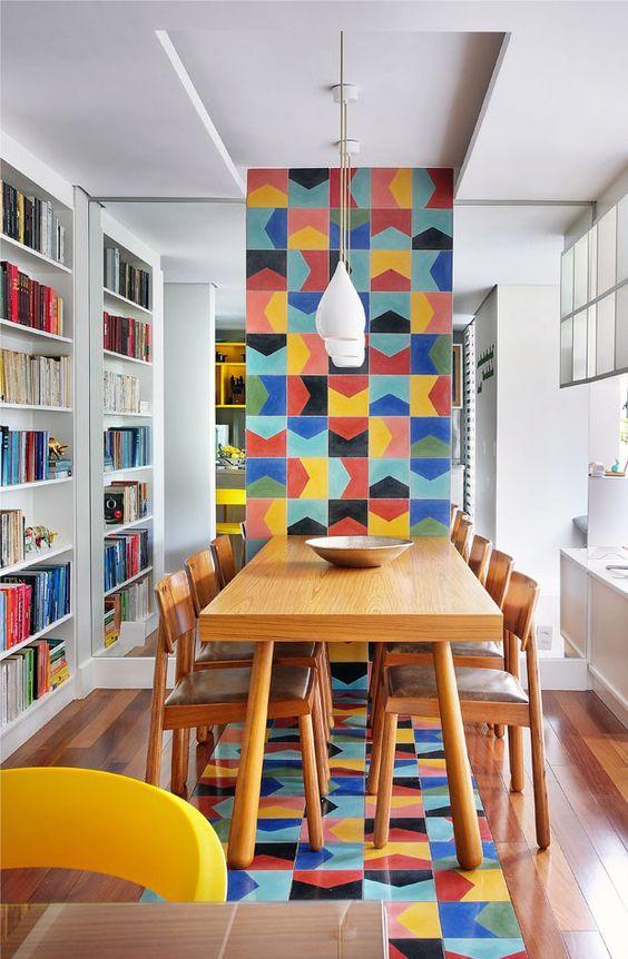 Azulejo retro colorido na casa moderna
