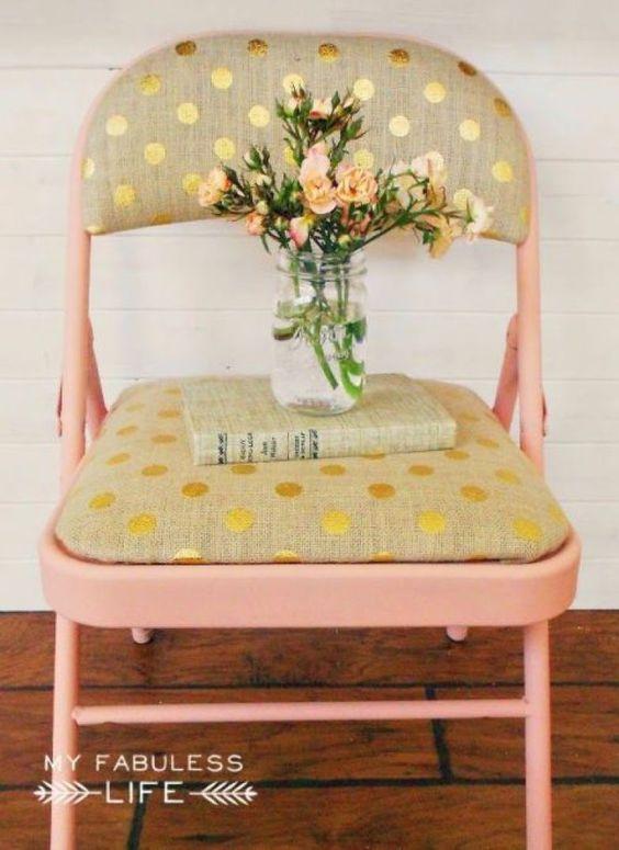 Cadeira de ferro com estofado estampado