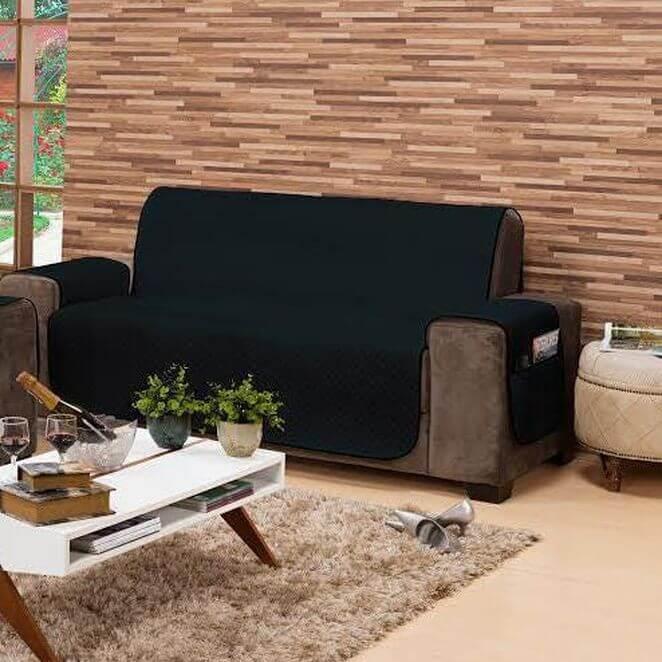 Capa protetora de sofá na cor preta