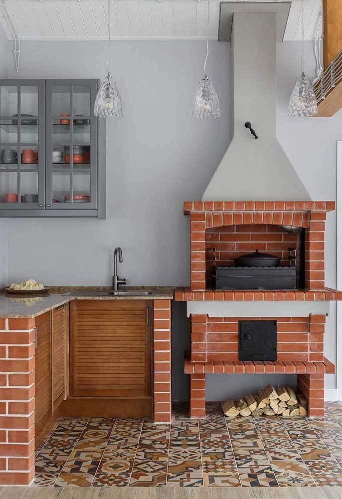 Churrasqueira de tijolinho com fogão a lenha