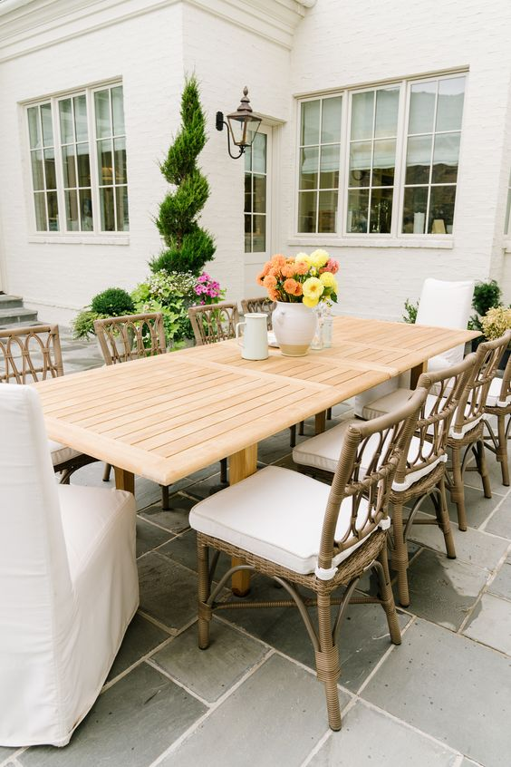Conjunto de cadeira para área externa de madeira